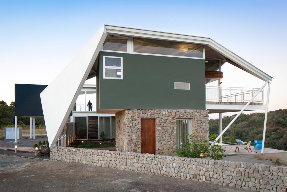 Architecture-Modern-La-Piscucha-El-Salvador-Jason-Bax-Dwell-03.JPG