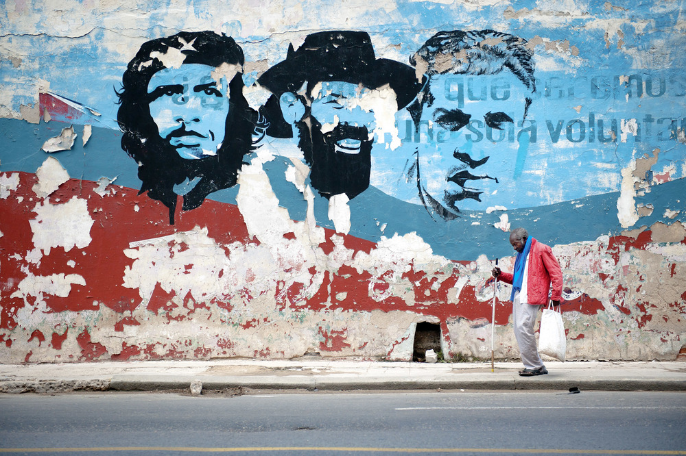 Cuba-Havana-Travel-Old-Man-Revolution-Che-Mural-Jason-Bax.JPG