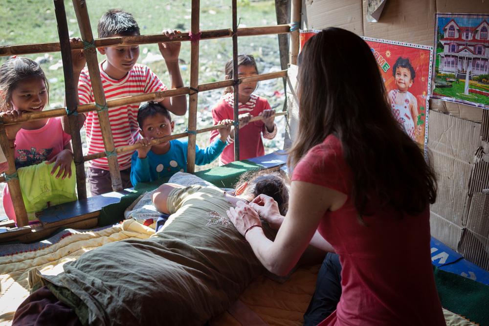 Humanitarian-Acupuncture-Mindful-Medicine-Nepal-Boudha-Boudhanath-11.JPG