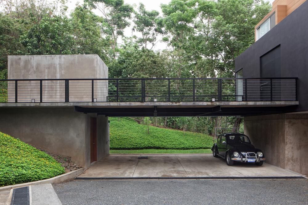 Architecture-Modern-Mi3-El-Salvador-Jason-Bax-2.JPG