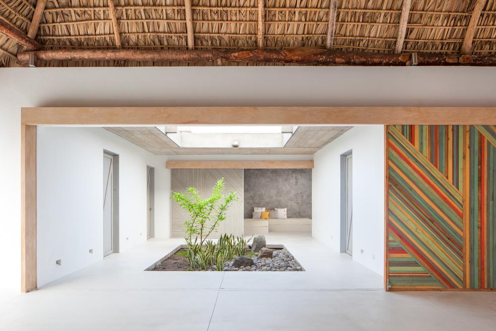 Architecture-Modern-Casa-Azul-El-Salvador-Jason-Bax-2.JPG
