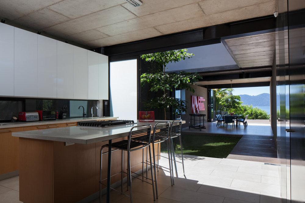 Jason_Bax_SQ_Lake_House_El_Salvador_Architecture_MG_0017.jpg