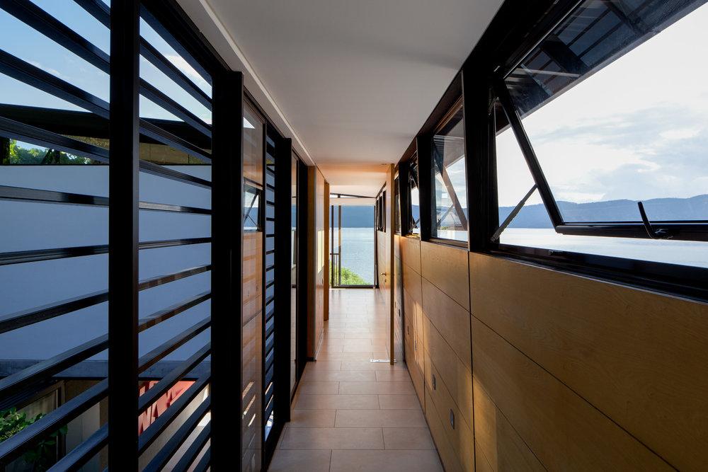 Jason_Bax_SQ_Lake_House_El_Salvador_Architecture_MG_0101.jpg