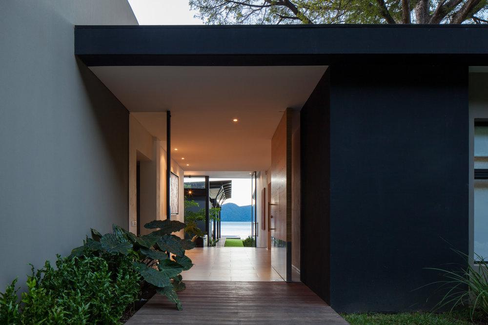 Jason_Bax_SQ_Lake_House_El_Salvador_Architecture_MG_0302.jpg
