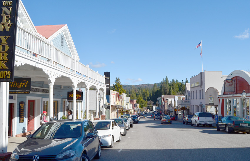 Nevada City, California - via jenniferesnyder.com/blog