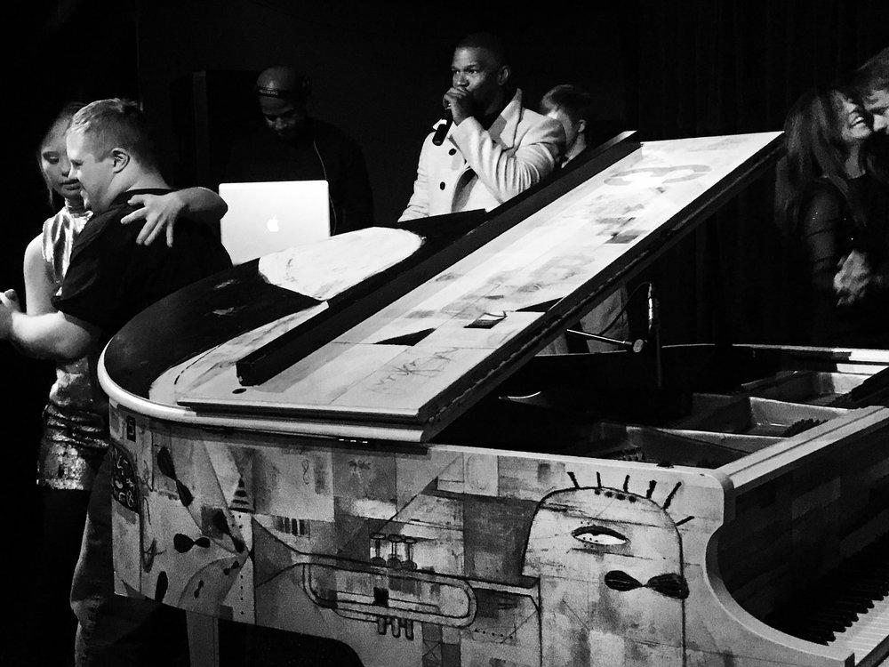 Piano_JamieFoxx_BW_Square.jpg