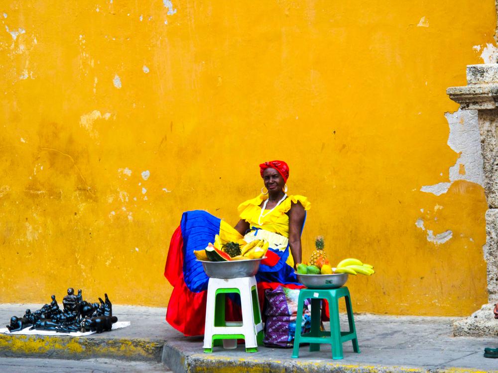 Morenita - sells ensaladas de frutas - Cartagena, Colombia