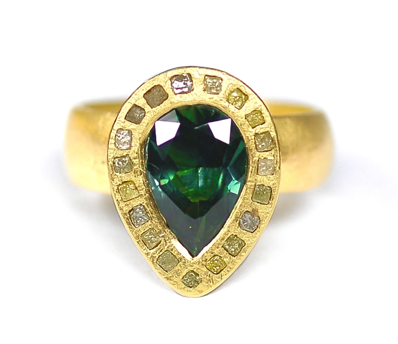 Green Sapphire & Congo Diamond Ring