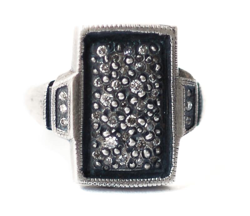 'Tych' Signet Ring