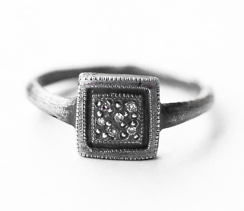 'Tych 3' Signet Ring