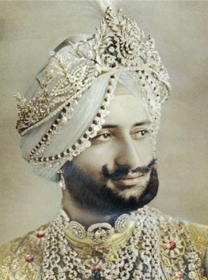 Maharaja Bhupindar Singh was very fond of jewellery and was one of Cartier's regular clients.