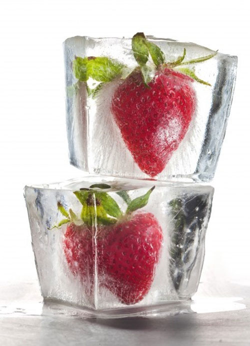 Food_StrawberryIceCubes2.jpg