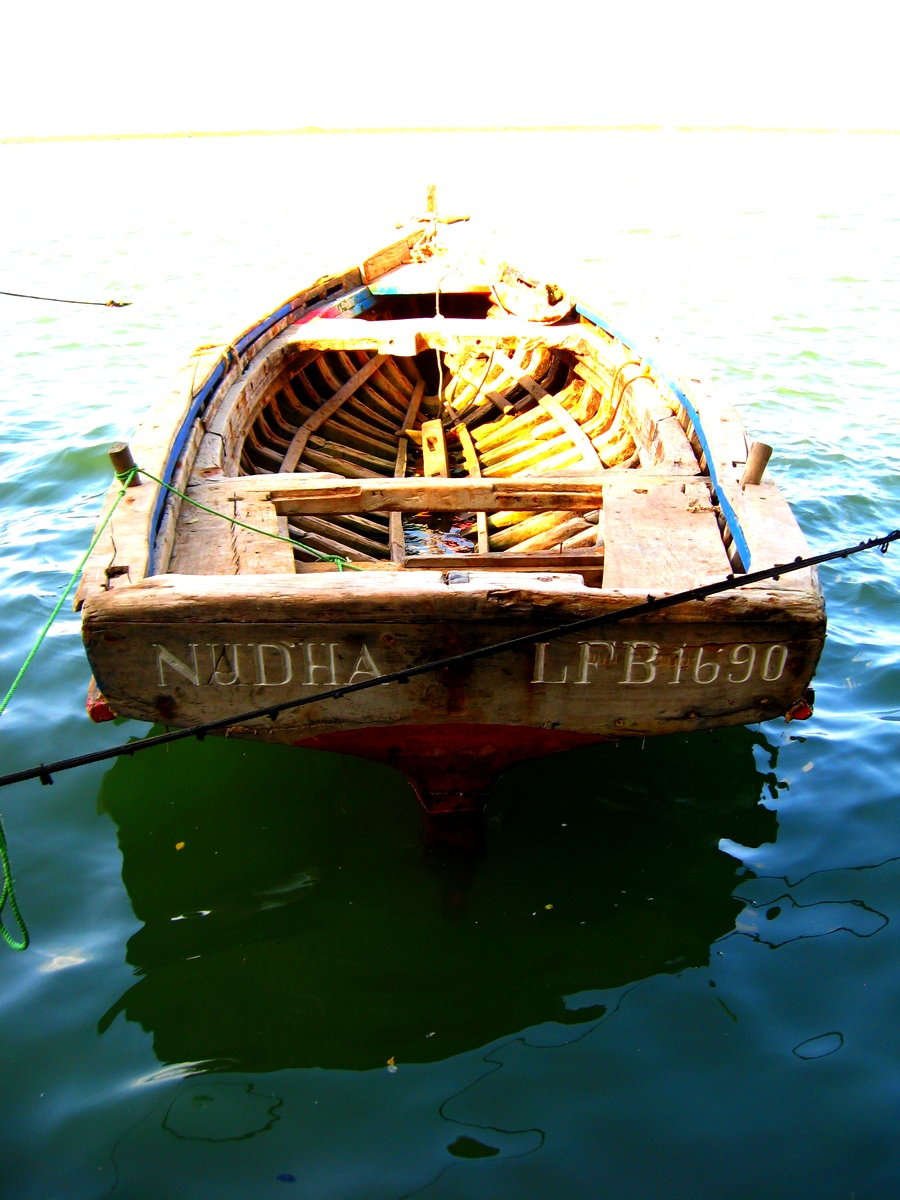 Boat and horizon, Lamu, Kenya