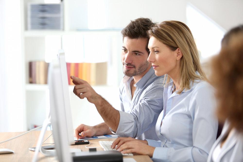 Efektywny Onboarding - Twój zespół zostanie profesjonalnie przeszkolony, aby zapewnić mu komfort pracy z nowym oprogramowaniem. Cyklicznie organizujemy również webinaria oraz live workshop'y, które pozwalają poszerzyć wiedzę i umiejętności.
