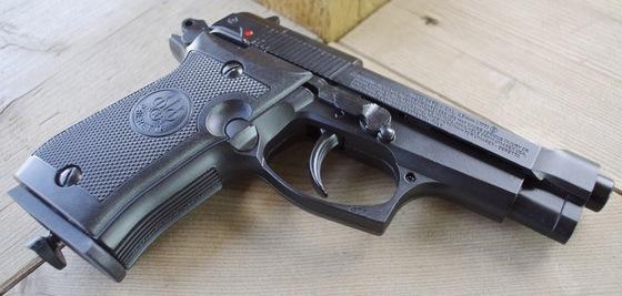 Umarex Beretta Mod  84 FS CO2 Blowback BB Pistol Table Top