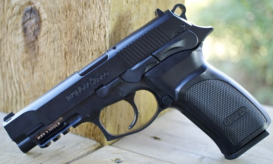 ASG Bersa Thunder 9 Pro CO2 BB Pistol Table Top Review