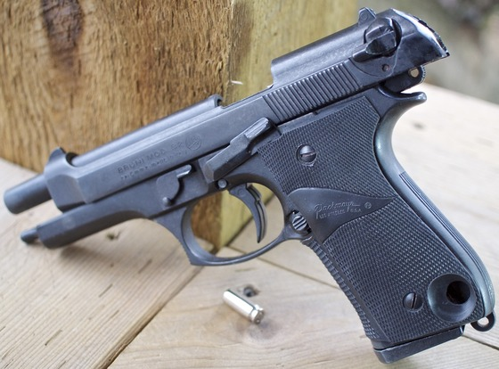 Bruni Mod  92 Top Venting 8mm PAK Blank Pistol Table Top Review