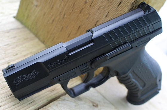 Umarex Walther P99 CO2 Blowback Airsoft Pistol Table Top Review