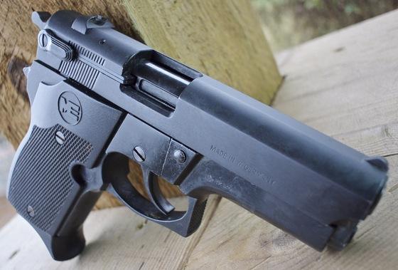 ME 9 Mini-Para 9mm P A K  Blank Pistol Table Top Review — Replica