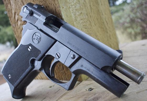 Me 9 Mini Para 9mm P A K Blank Pistol Table Top Review
