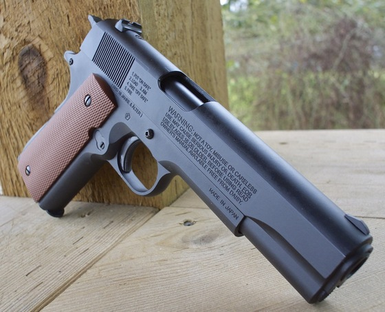 Daisy Winchester Model 11 CO2 Blowback BB Pistol Table Top