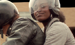 Avec Jeff, à moto  de Marie-Ève Juste 15 min, Québec, Canada, 2012