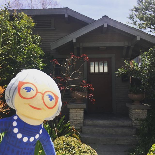 Happy birthday, Jane Jacobs! My Tiny Jane from @tinyactivistproject @sarahmarsom arrived just in time to join me for @janeswalk in Long Beach's Craftsman Village Historic District