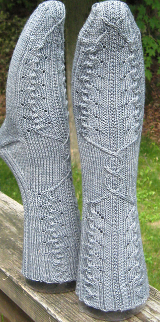 Moses Supposes His Toeses Are Roses via Ravelry.