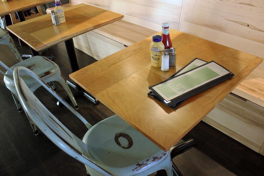 tableBanq.jpg