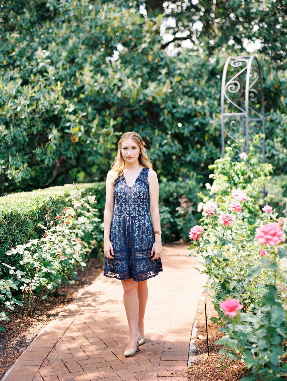 dallas-texas-dallas-arboretum-botanical-garden-senior-portraits-ar-photography-claire-289.jpg