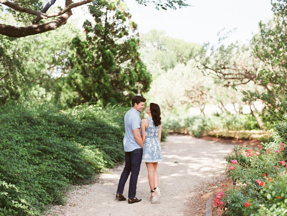 dallas-texas-dallas-arboretum-botanical-garden-engagements-ar-photography-teresa-rowan-43.jpg