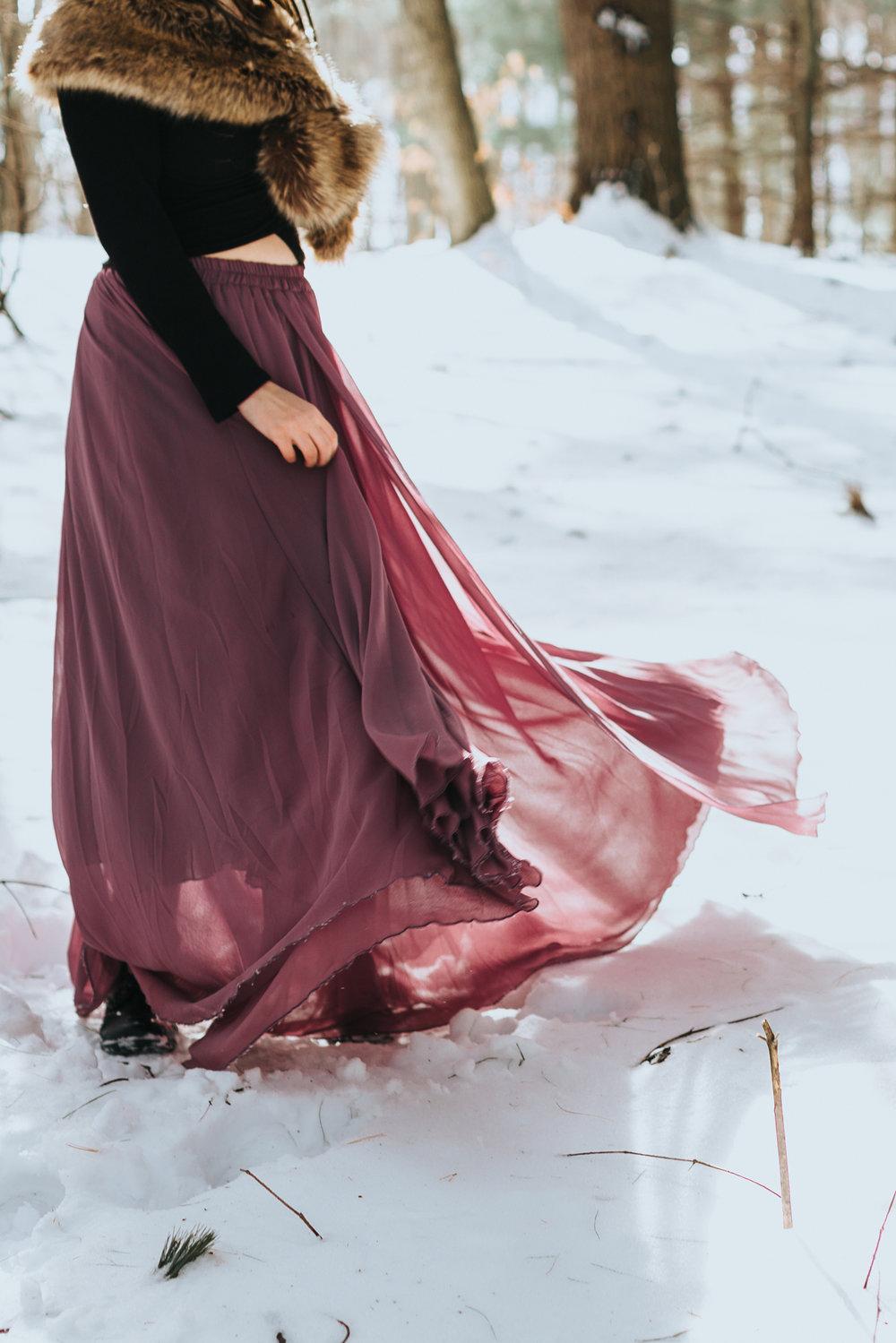 sun-dress-winter-portrait-at-bangors-columcille-megalith-park