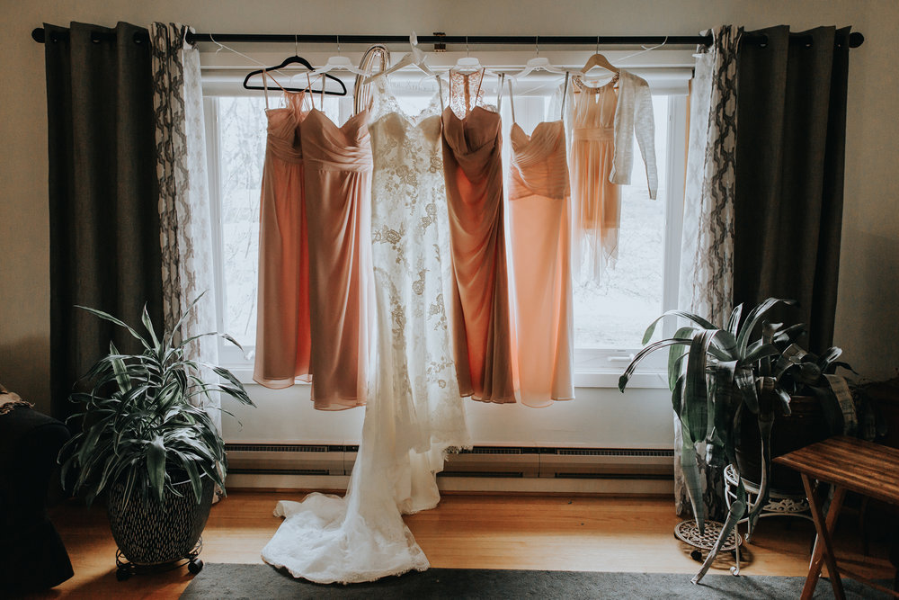 brides-dress-and-bridal-party-dresses-photography