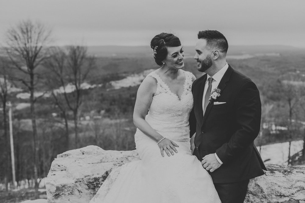 wedding-day-couple-portrait-blue-mountains-pa