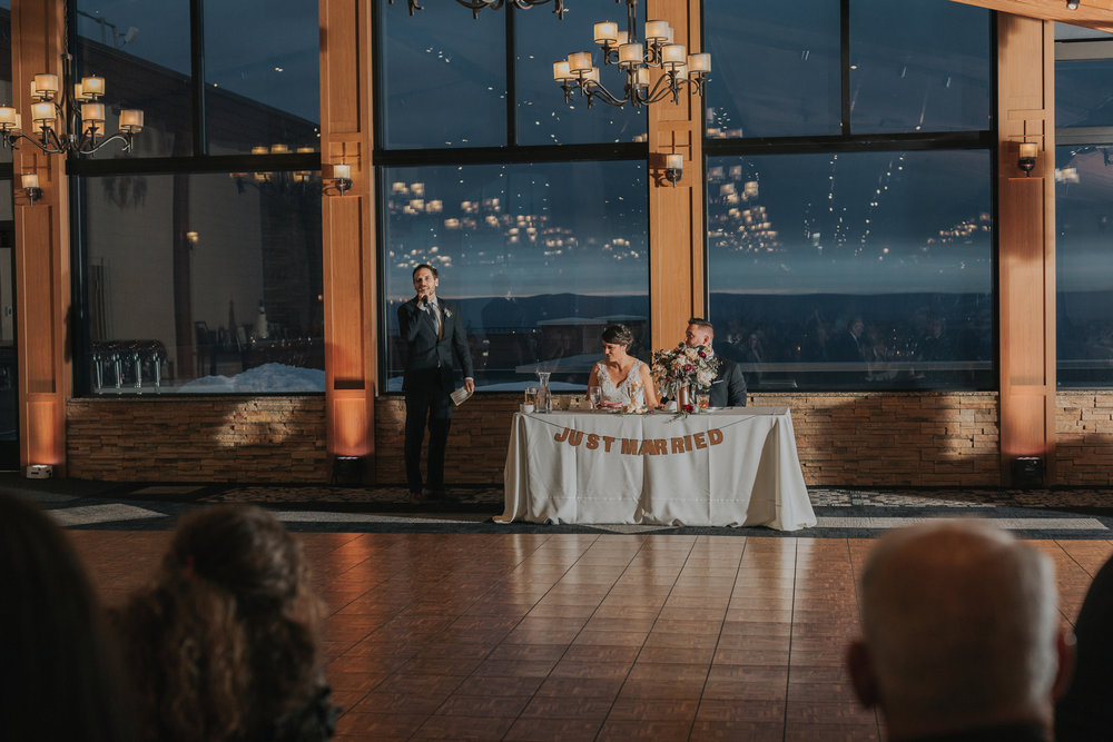 blue-mountain-photography-reception-wedding-toast