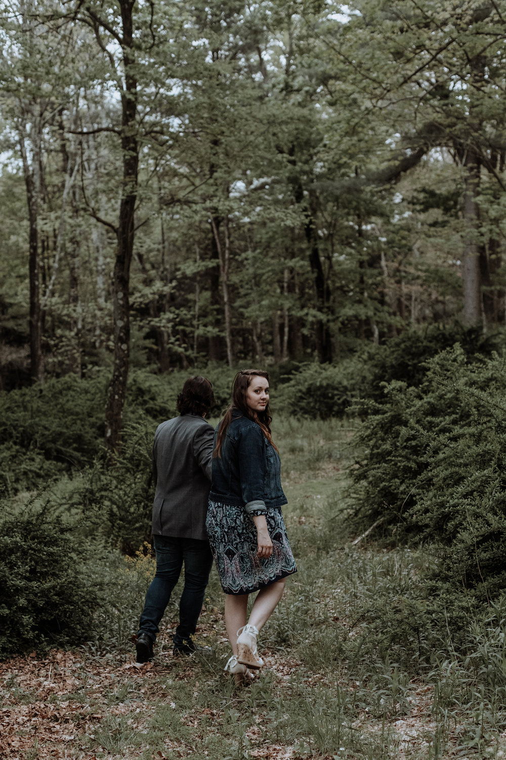 saylorsburg-walking-in-woods-couple-portrait