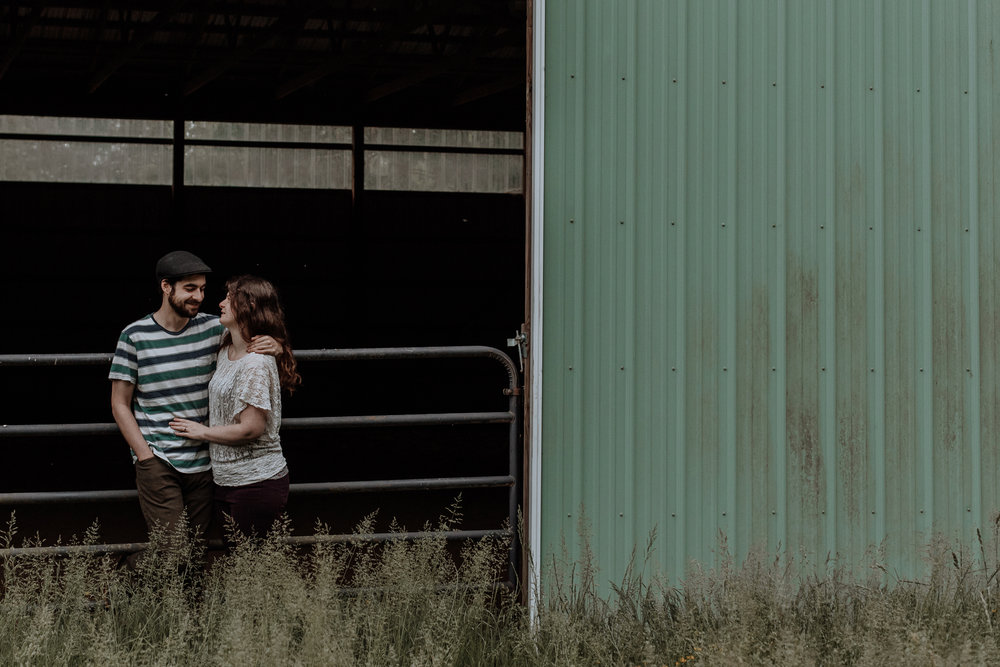 horse-stable-engagement-session-photography-Elverson-pa