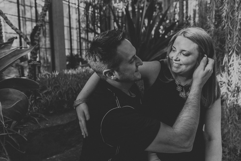 longwood-gardens-black-and-white-couple-portrait
