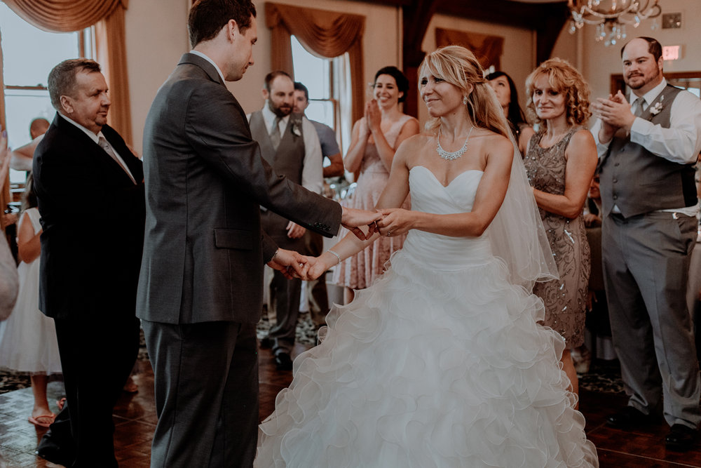 silver-creek-country-club-bride-and-groom-wedding-dance-photography-2