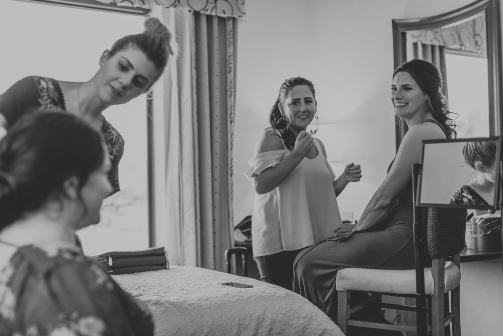 pine-grove-hampton-inn-wedding-getting-ready-photo