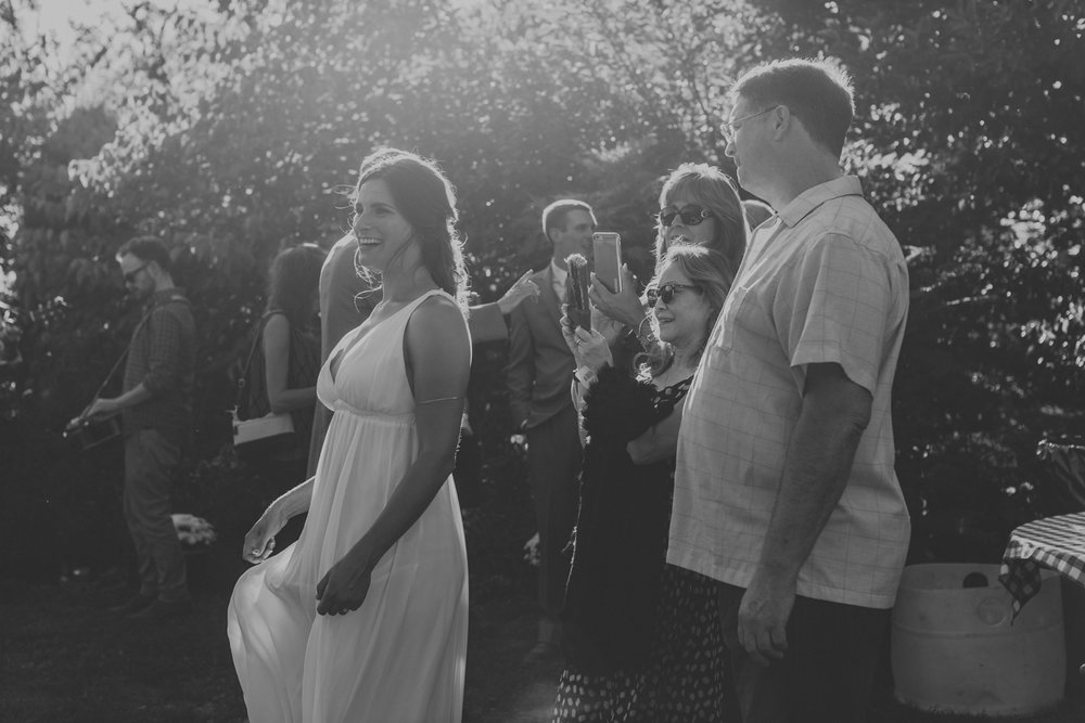 candid-lehigh-valley-wedding-cocktail-hour-photography-6