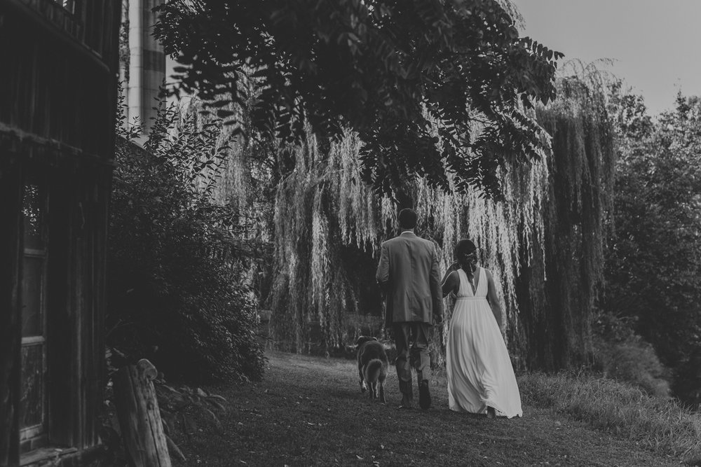 blue-bottle-farm-willow-tree-wedding