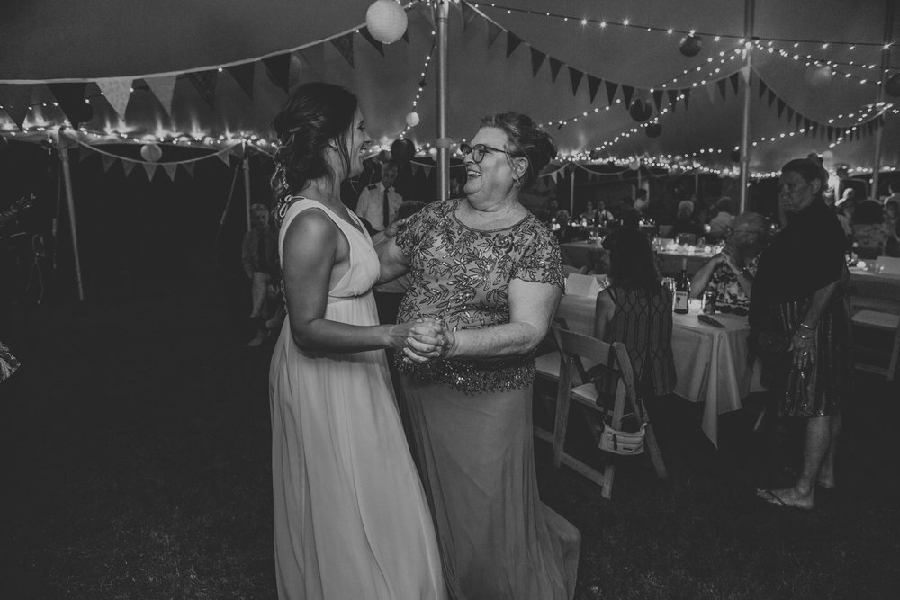 lehigh-valley-wedding-photography-pine-grove-farm-reception-first-dance-mom