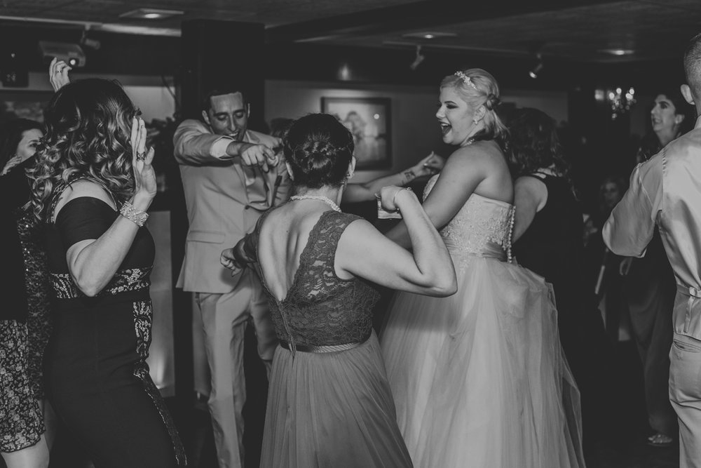 ithaca-new-york-wedding-photography-dance