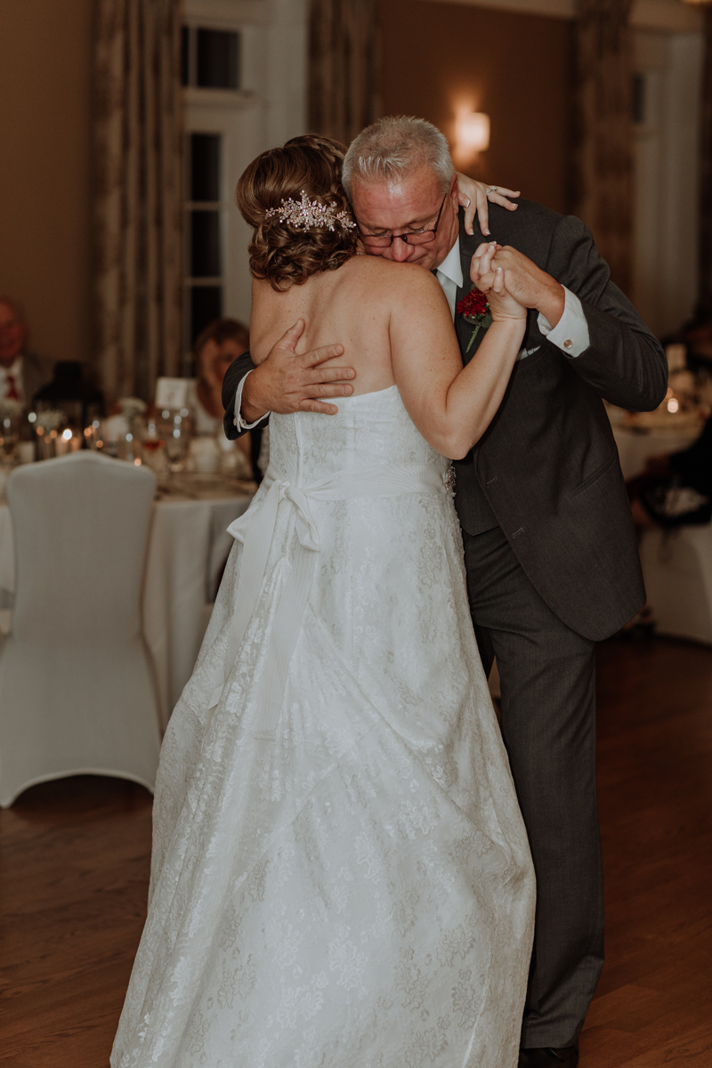 lehigh-valley-wedding-photography-manufacturers-golf-and-country-club-wedding-first-dance-father