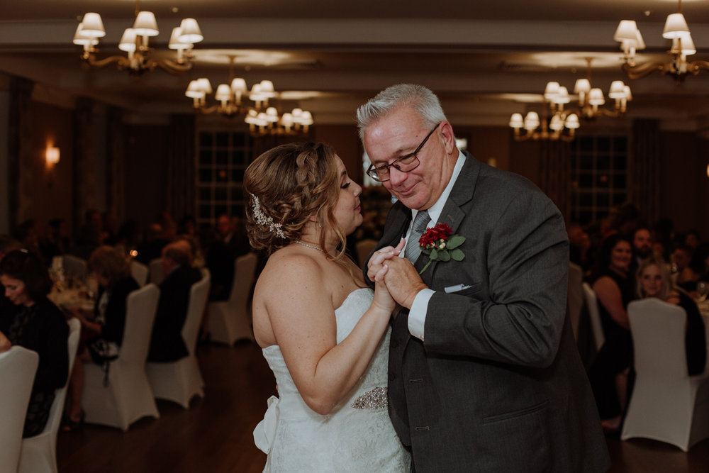 lehigh-valley-wedding-photography-manufacturers-golf-and-country-club-wedding-first-dance-5