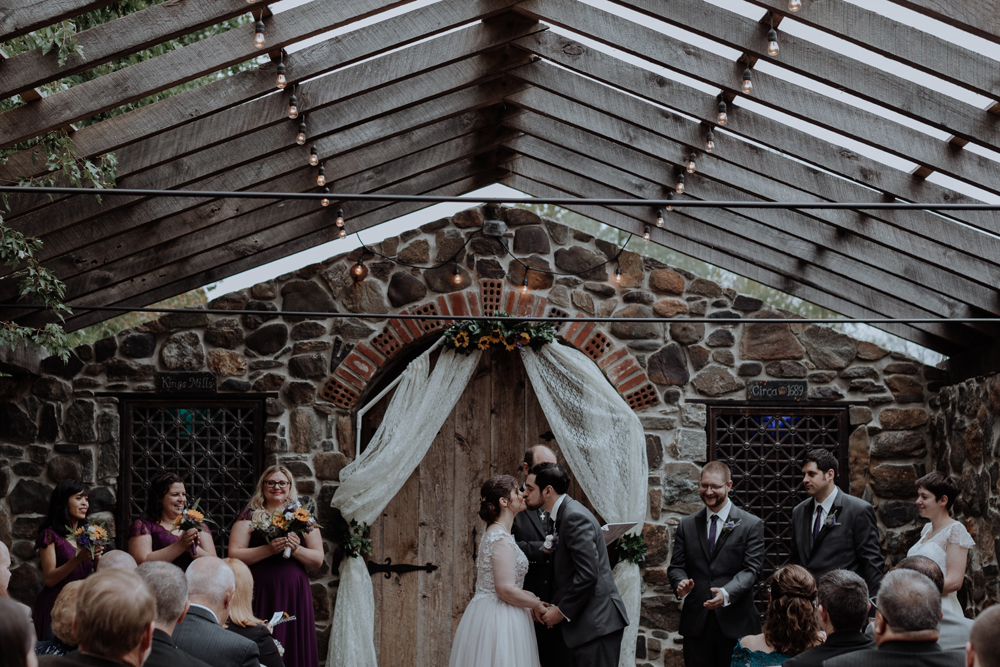 kings-mills-wedding-photographers-first-kiss-art