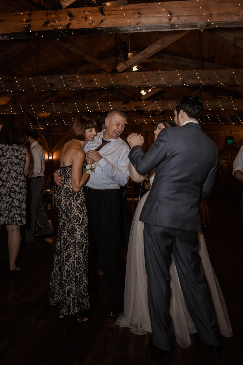 kings-mills-wedding-reception-photography-dancing