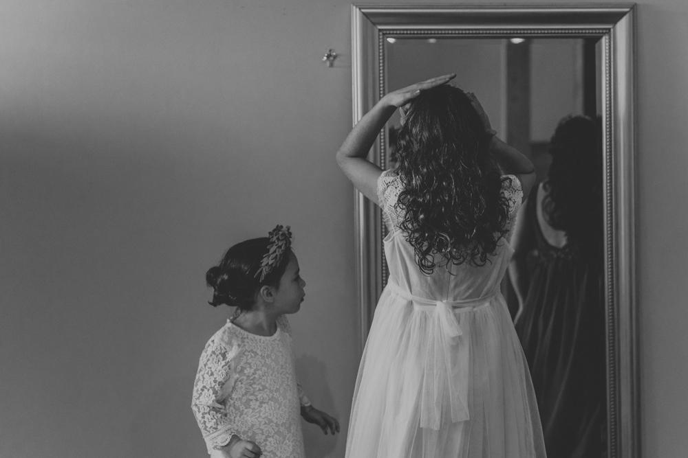 woods-edge-alpaca-farm-wedding-photo-getting-ready-candid