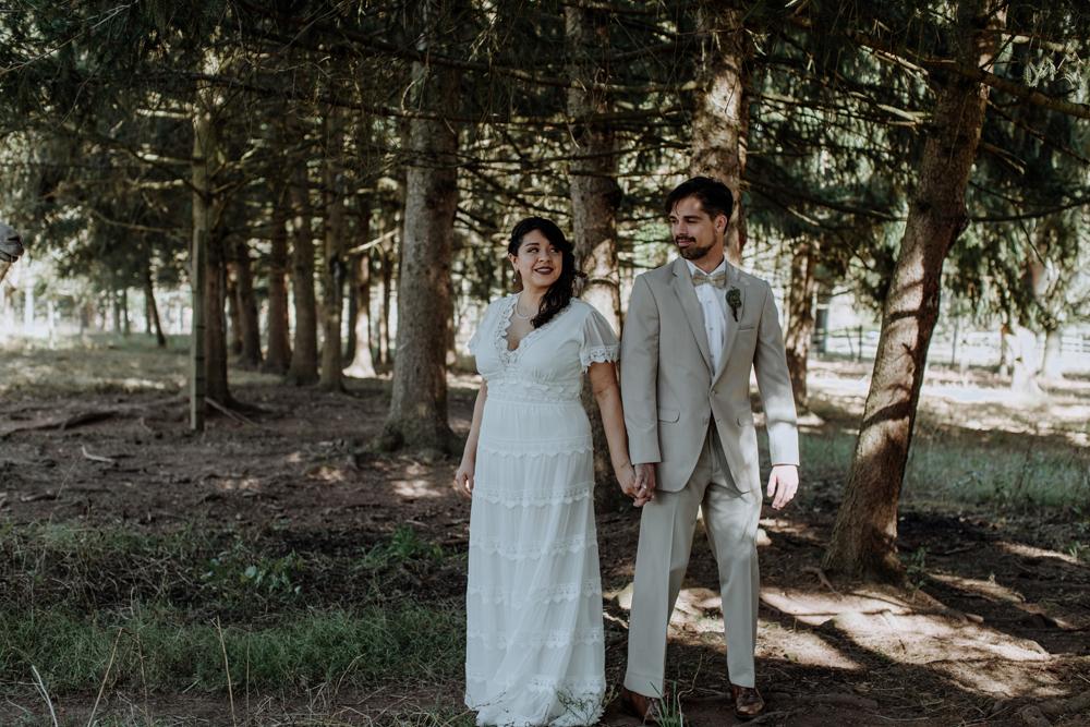 woods-edge-alpaca-farm-wedding-photography-first-look-9